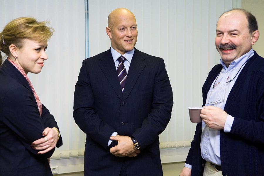 Ольга Курганова, Владимир Левый, Андрей Мрост, члены учредительного собрания Внешторгклуба